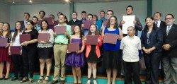 Un total de 24 jóvenes con discapacidad se graduaron como operadores de computadoras.